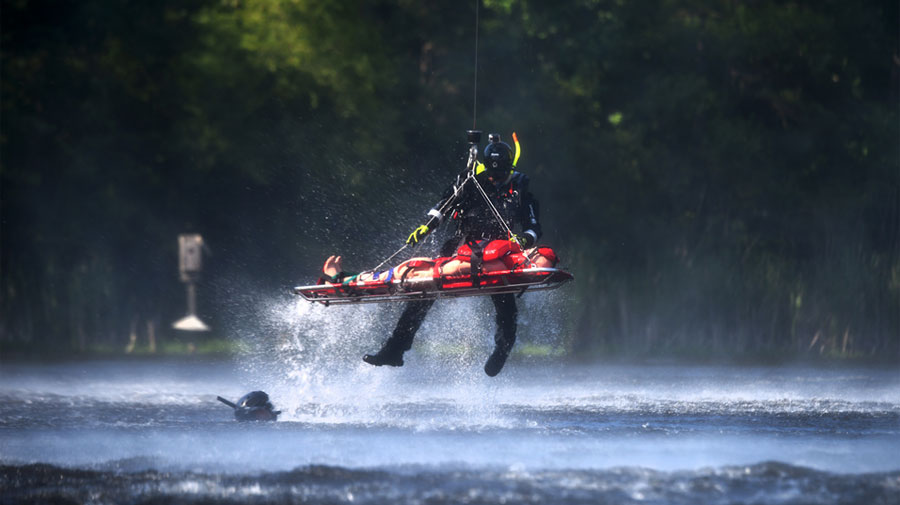 Dive safety rescue of victim