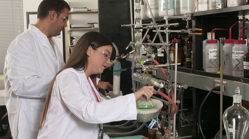 Researchers working in Isotope laboratory